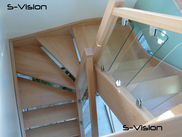 S-vision glass on a Beech openplan Staircase